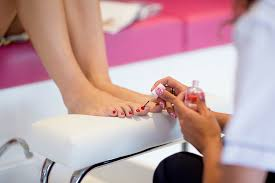 whoa can a nail salon charge a customer more for being overweight