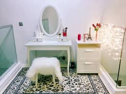 beginner u0027s guide how to setup a simple vanity table for your