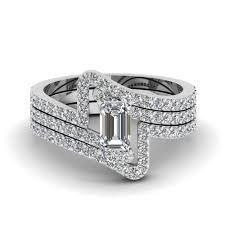 wedding band set crossover emerald cut diamond trio wedding ring set in 950
