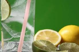 Does Lemon Water Make You Go To The Bathroom The Truth About Lemon Honey Water Concoction Times Of India