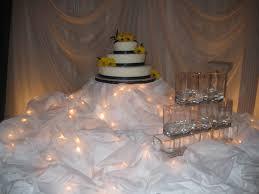 fleur de lis wedding cake wedding cake a sweet balancing act page 2
