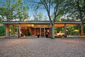 two houses from mies and wright acolytes list for sale chicago
