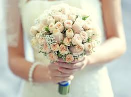 wedding flowers on a budget bridal bouquets for every budget hitched co uk
