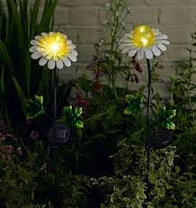 Solar Lights Patio by 96 Best Solar Lights Images On Pinterest Solar Lights Outdoor