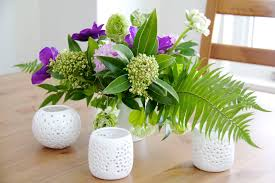 How To Make Floral Arrangements Learn How To Make A Spring Floral Arrangement