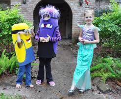 Halloween Minion Costumes Diy Minion Costumes U2014 Clumsy Crafter