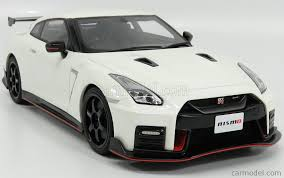 gtr nissan 2017 gt spirit gt160 scale 1 18 nissan gt r nismo r35 coupe 2017 white
