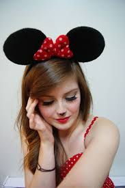 polka dot hair 20 creative ways to rock a minnie mouse costume this