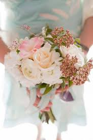 wedding flowers kilkenny 22 beautiful autumn wedding bouquets for brides weddingsonline