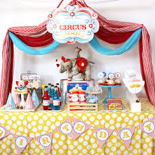 Carnival Themed Table Decorations A Festive Circus Themed Third Birthday Party Party Time