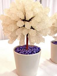 Candy Topiary Centerpieces - best 25 topiary wedding ideas on pinterest candy table wedding