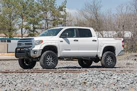 toyota tundra lifted 6in suspension lift kit for 16 18 toyota tundra rough country