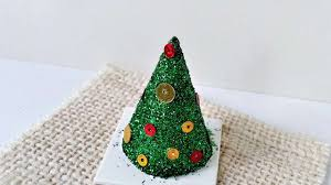 how to create a glitter and confetti christmas tree diy crafts