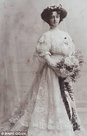 stunning edwardian lace wedding dress to be auctioned 104 years