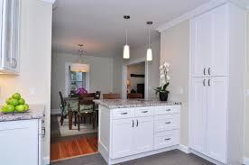 making white shaker kitchen cabinets