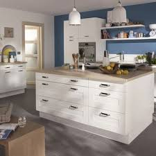 cuisine avec plan de travail en bois une cuisine castorama blanche avec un plan de travail en bois