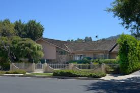 the real brady bunch house los angeles california brady bunch house in studio city ransacked by burglars daily news