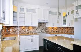 Kitchen Backsplash With White Cabinets Amusant Glass Kitchen Backsplash White Cabinets Mosaic Black