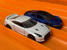 nissan hotwheels 1 vs 1 nissan gtr vs 2017 acura nsx wheels youtube