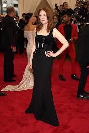 julianne moore julianne moore fashion news photos and videos vogue