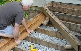 pavimenti in legno x esterni costruire pavimenti in legno per esterni giardini verdi