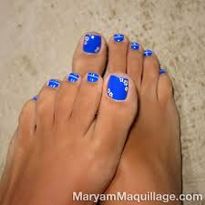 royal blue toes with pretty miniature flowers blue toes nail