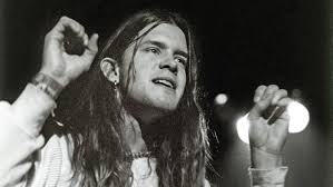 Blind Melon Tones Of Home Lyrics Blind Melon Knee Deep In The Hoopla Rolling Stone
