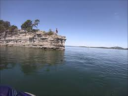 how big is table rock lake cliff jumping at table rock lake youtube