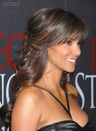 back view of halle berry hair halle berry s hairstyle with curls that cascade down her back