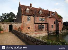 house with moat stock photos u0026 house with moat stock images alamy