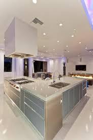 moderne kche mit kochinsel kochinsel küchenblock moderne küchen freistehend beleuchtung