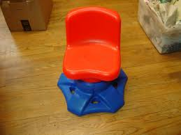 Kids Art Desk And Chair by Little Tikes Blue And Red Kids Desk Swivel Chair Enkore Kids