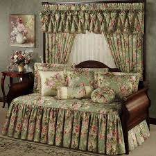 Day Bed Comforter Sets by Daybed Covers U2013 Luxury Elegant And Stylish Daybed Sets