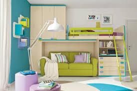 hochbett mit schreibtisch und sofa hochbett mit schreibtisch funktionelle betten finden ihren platz