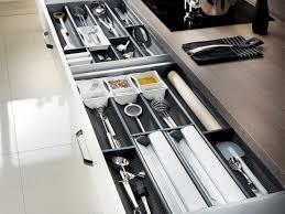 tiroir de rangement pour ustensiles de cuisine deco cuisine