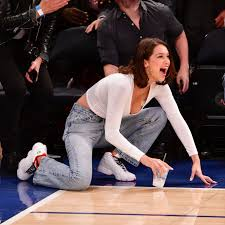 Hit The Floor Online Free - bella hadid knicks game and expressions photos
