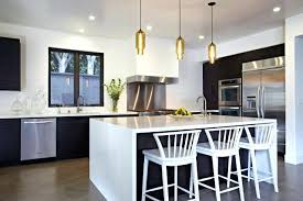 luminaire plafonnier cuisine plafonier cuisine simple maison en bois en utilisant luminaire