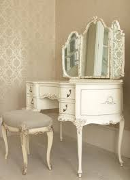 White Vanities For Makeup Would Love A Vanity Like This One I Have Always Wanted Something