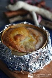 cuisiner un mont d or la boîte chaude mont d or chaud et sa charcuterie marrons glacés
