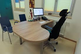 Schreibtisch Aus Eiche Schreibtisch Arbeitsplatz Für Arztpraxis Aus Kunststoff Dekor