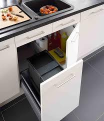poubelle pour meuble de cuisine meuble de cuisine 5 meubles poubelles pratiques et discrets