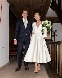76 best wedding dress images on pinterest anemone bridal bouquet
