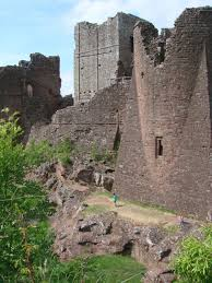 Old Castle Curtain Wall Stone Castles The Grandest Strongest Castles In The Uk