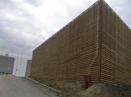 rivestimento listelli legno rivestimento esterno in legno iroko