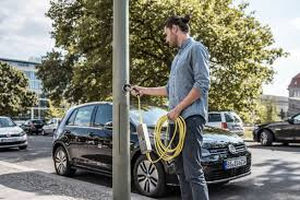 electric vehicles charging stations new technology turns any street lamp into a charging station for