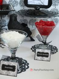 halloween scary sundaes party pinching