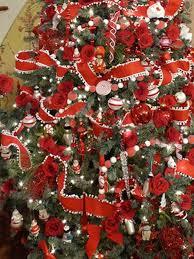 christmas tree decorating ideas ribbon garland christmas lights