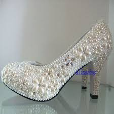 pearl wedding shoes 11 best wedding shoes images on bling wedding shoes