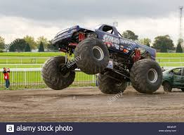 monster trucks bigfoot monster truck big wheels trucks suv suv u0027s offroader 4 by four 4x4