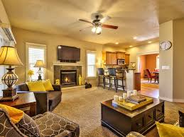 cozy 3 bedroom community pool close to ev vrbo cozy living room w gas fireplace and 51 tv kitchen w stainless